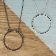 AJ201_AJ202_1_ayana_silver_geometric__circle_black_necklace_silver